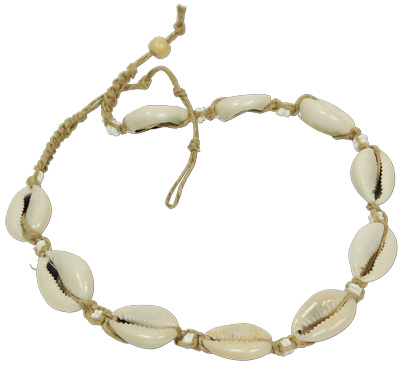 Hemp macreme necklace with cowrie shells